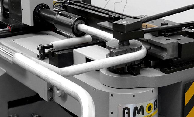 How To Properly And Safely Load The Pipe In Your Hydraulic Pipe Bender: A Step-By-Step Guide